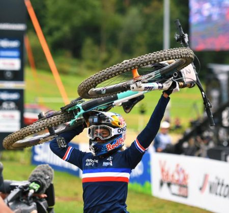 Myriam Nicole se corona campeona del Mundo de descenso