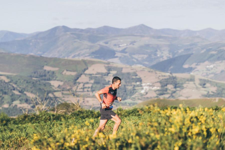 Victoria de Miguel Heras y Verónica Bugliot en la 'Maratón' de las «100 millas por donde camina el oso»