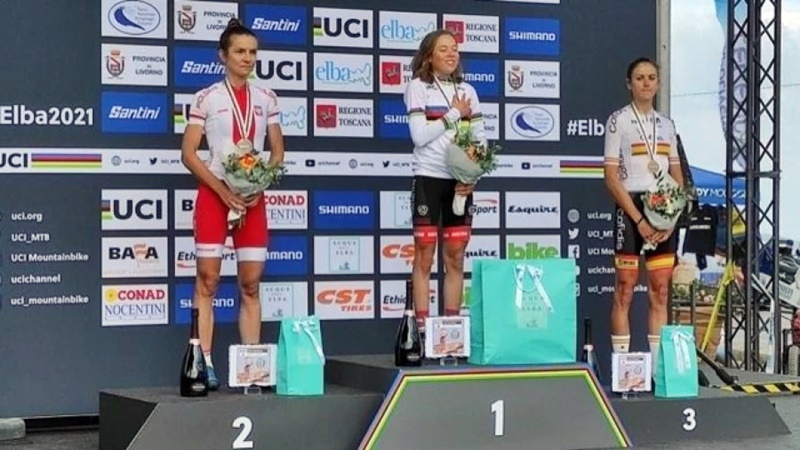 Mitterwallner y Seewald ganan el Mundial de XCM, Natalia Fischer logra el Bronce
